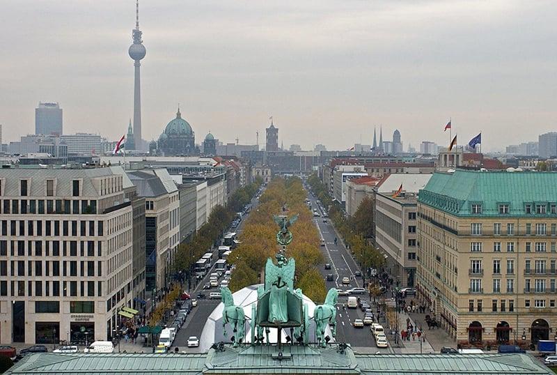 Avenida Unter den Linden em Berlim