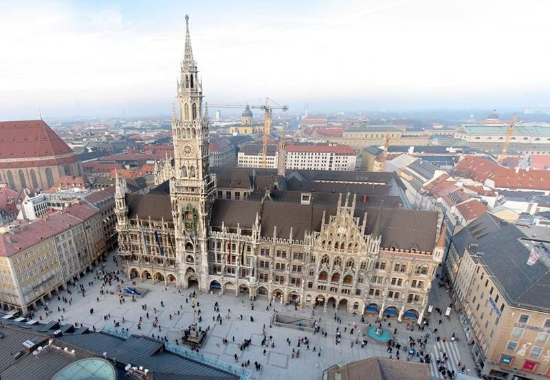 Marienplatz e Neue Rathaus em Munique