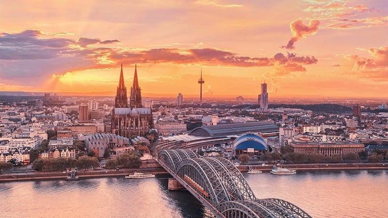 Passeio de Frankfurt a Colônia