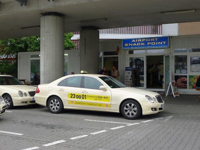Táxis do aeroporto até o centro de Frankfurt