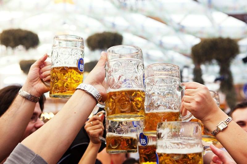 Conhecer o maior festival de cerveja do mundo na Alemanha