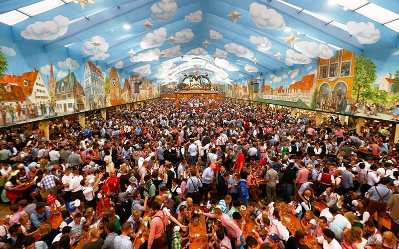 Estrutura da Oktoberfest na Alemanha