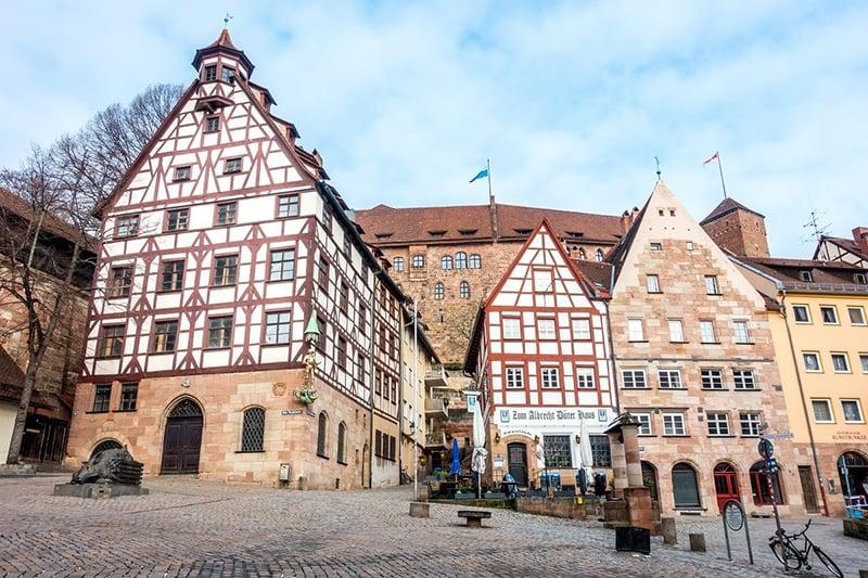Charmosas ruas de Nuremberg na Alemanha