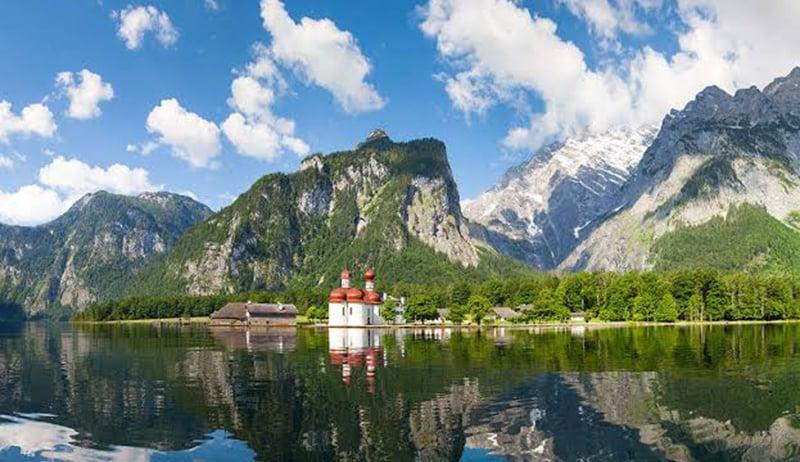 Vista do Lago do Rei em Munique