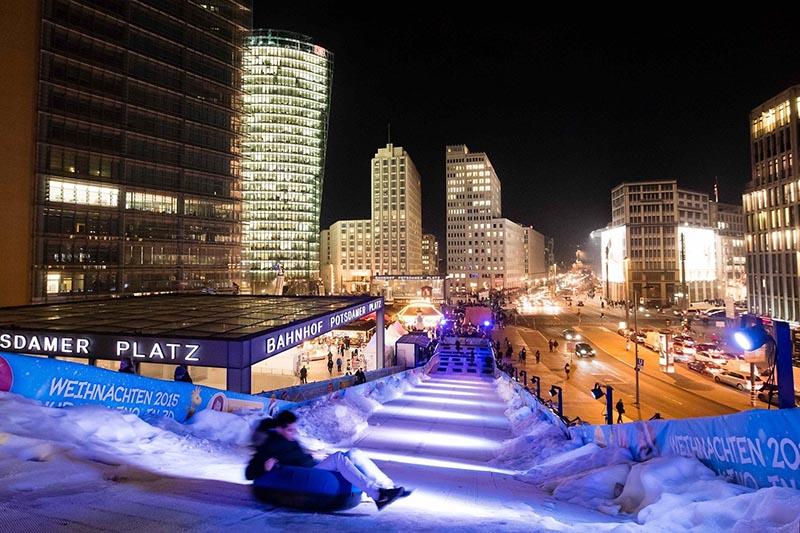 Atrações da Winterwelt na Potsdamer Platz em Berlim em novembro