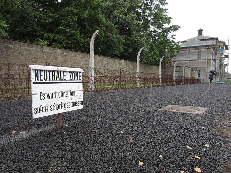 Área exterior do campo de concentração de Sachsenhausen