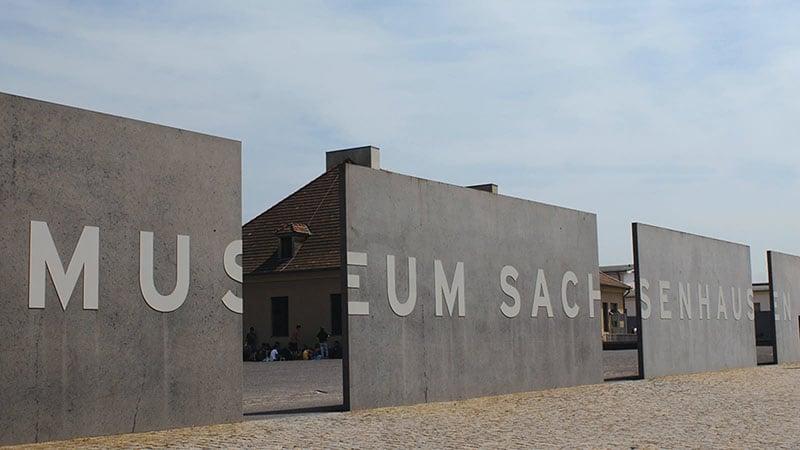 Entrada do campo de concentração de Sachsenhausen
