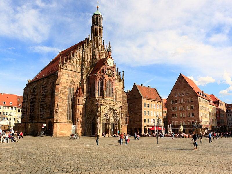Detalhes da Frauenkirche em Nuremberg