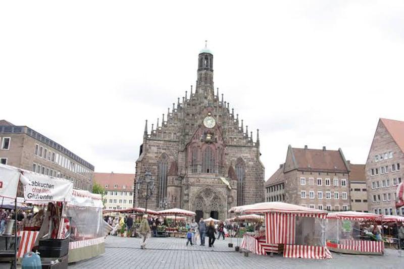 Praça do Mercado Central em Nuremberg