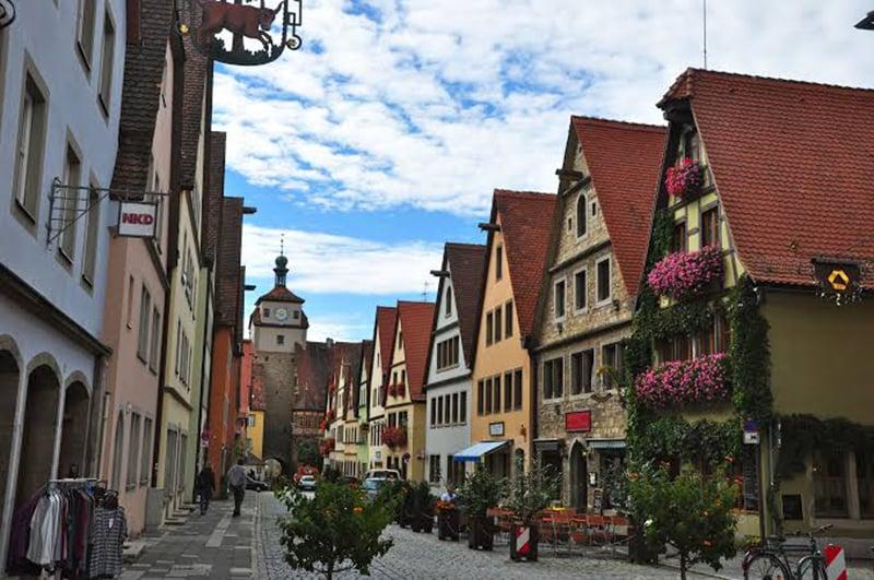 Tradicionais casas com telhados vermelhos em Rotemburgo