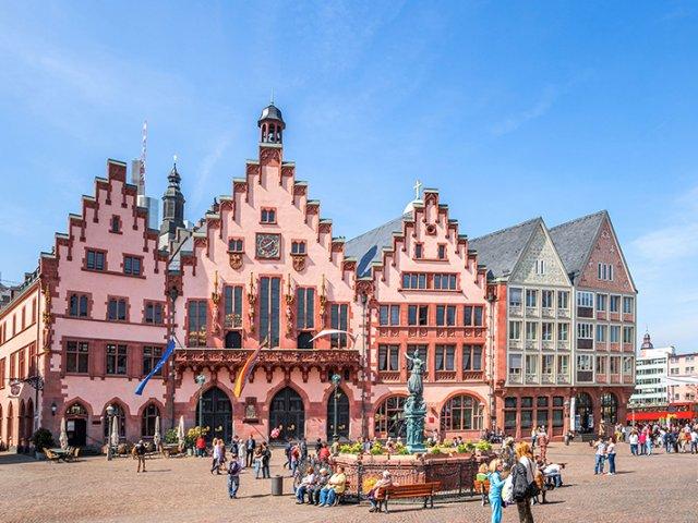 Quanto custa uma passagem aérea para Frankfurt