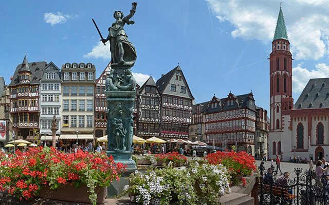 Como achar passagens aéreas para Frankfurt