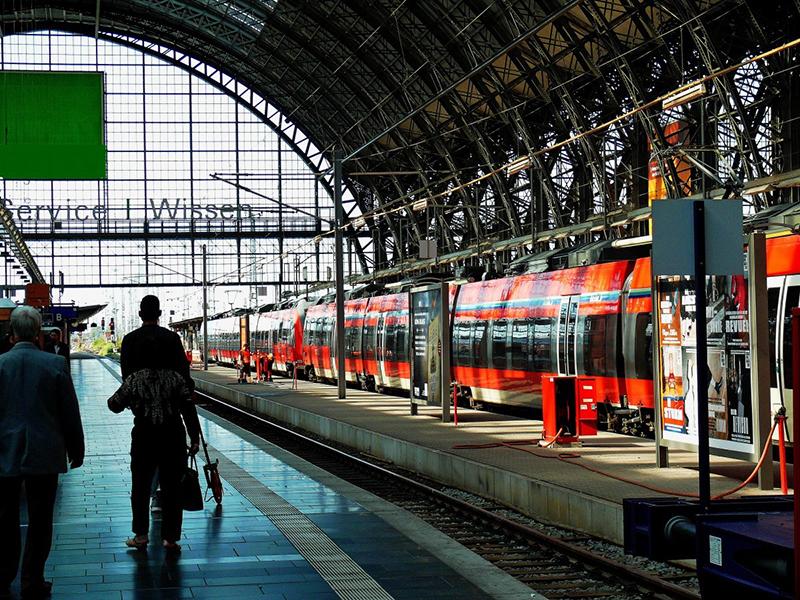 Como andar e se locomover em Frankfurt